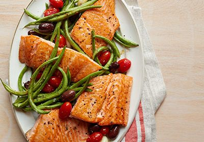 Heart Healthy Recipe Roasted Salmon, Green Beans, and Tomatoes